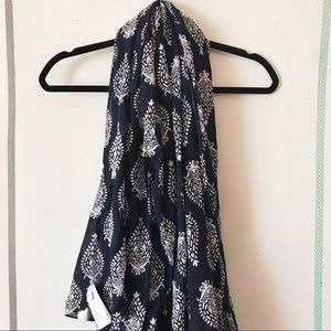 GAP 100% Cotton Scarf Navy Blue and White